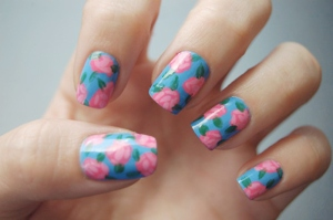 blue-pink-floral-nail-art